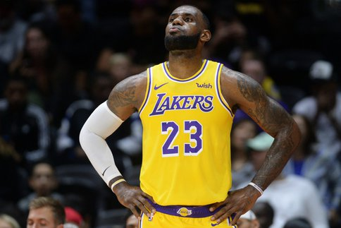 LeBron James en verve au Staples Center — NBA