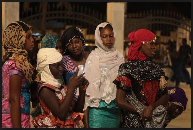ignoré la Fatwa, les fidèles, ont ignoré la Fatwa, Selfies à Touba