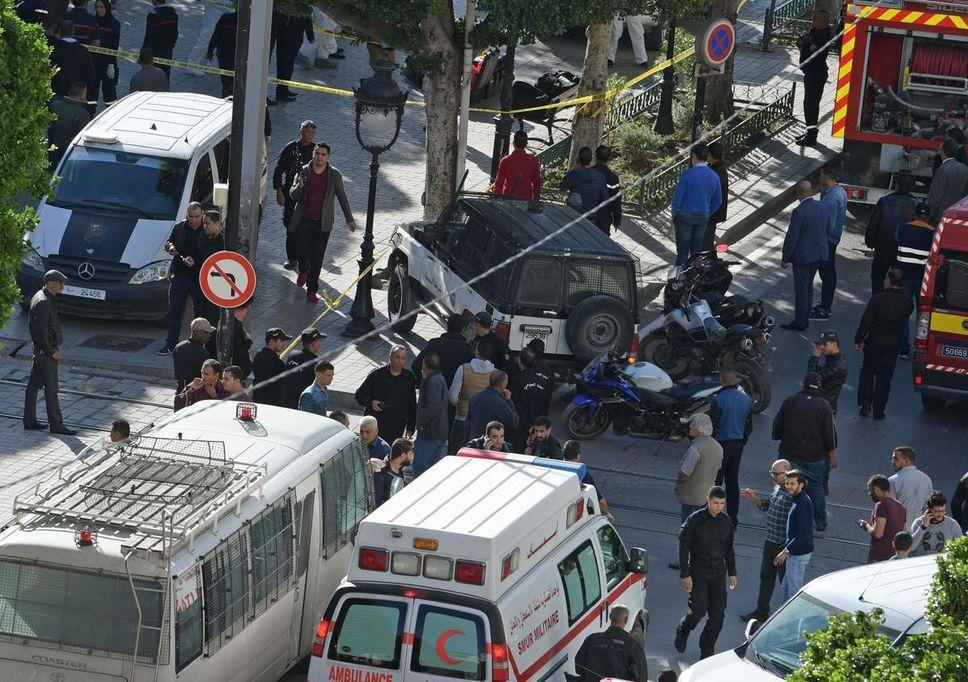 femme, forte explosion, Kamikaze, Tunis