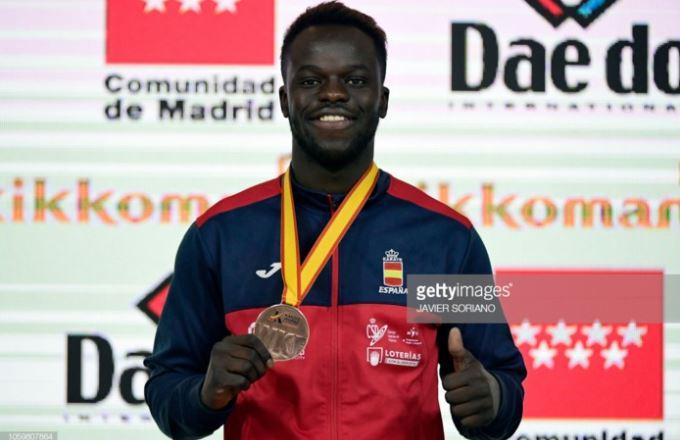 Championnat du monde de Karaté, Sénégalais d'origine remporte la médaille de Bronze