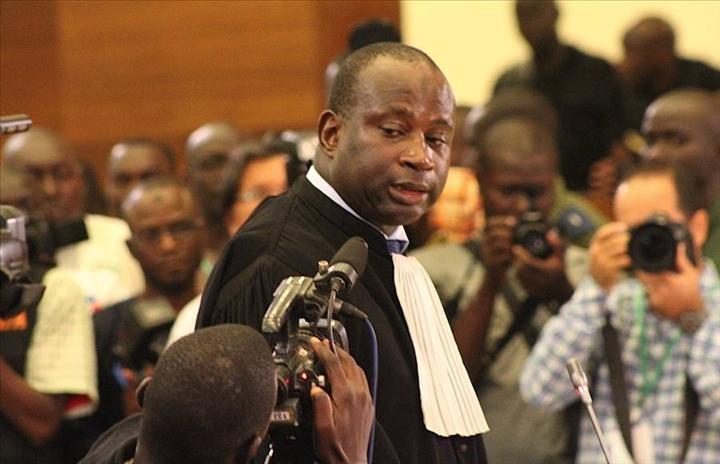 au nom du peuple, et non au nom, Il faut rendre la justice, Me Mbaye Gueye, un groupe de personnes