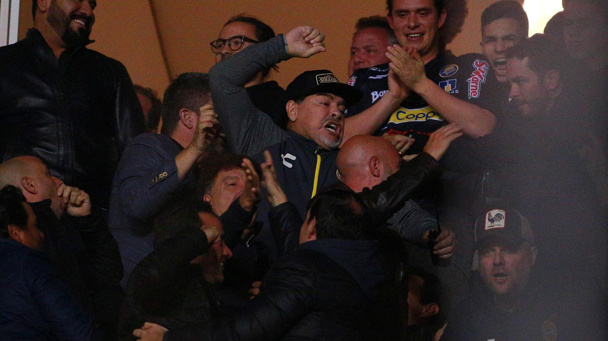 Diego Maradona, Insulte, Mexique