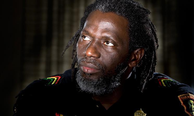 la démocratie sénégalaise, sur une pente dangereuse, Tiken Jah Fakoly