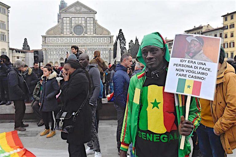 idy diene - Italie indignée : Une plaque à la mémoire d'un Sénégalais vandalisée