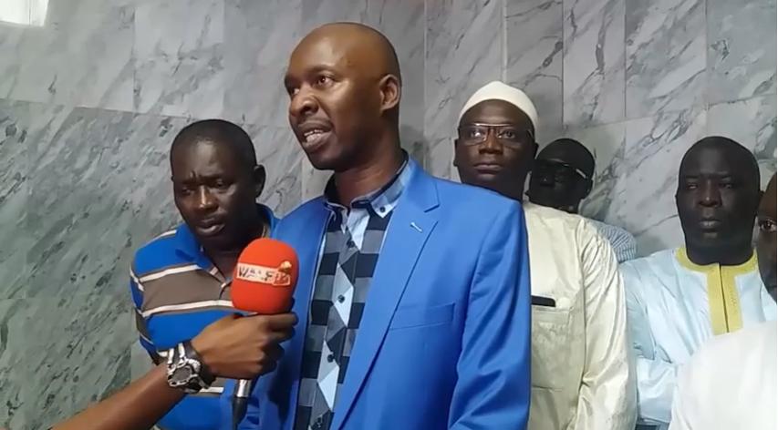 Port de Dakar : Les transitaires et l'administration douanières accordent leurs violons (vidéo) - Une personne en uniforme bleu - Jeunesse