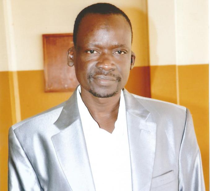 Le journaliste Serigne Saliou Samb n'est plus ! - Un homme en costume cravate - Serigne Saliou Mbacké