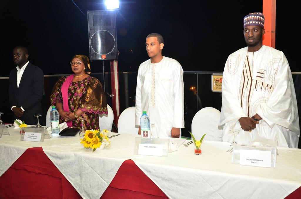 Influences Magazine distingue les 50 personnalités les plus influentes de l'Afrique de l'Ouest (Photos) - Thierno Bocoum et al. sitting at a table - Évêque