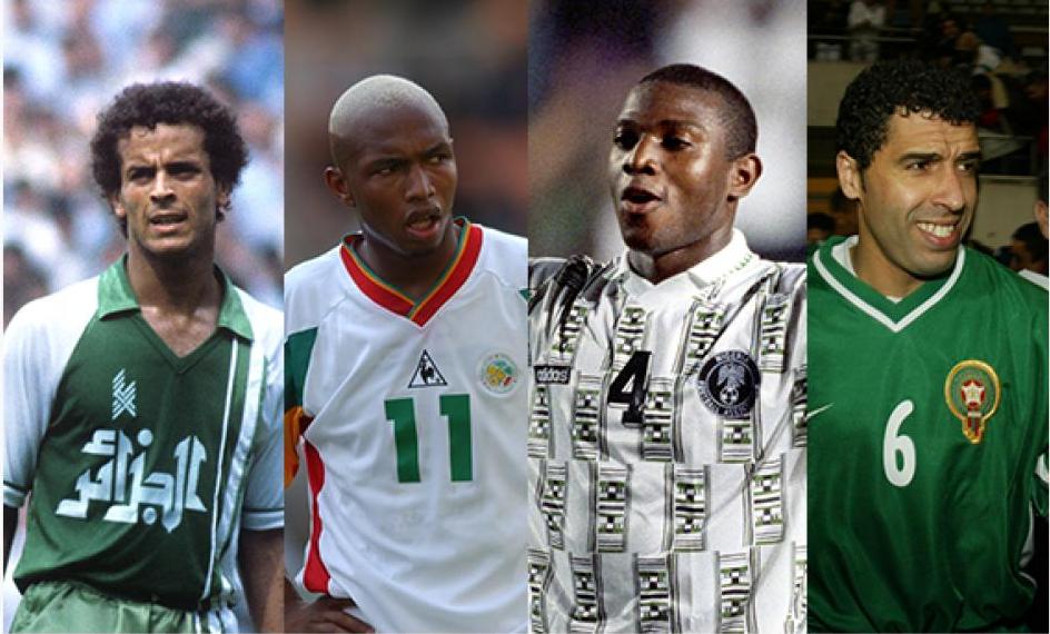 El Hadji Diouf, seul sénégalais présent dans le top 30 des meilleurs joueurs africains de l'histoire - Lakhdar Belloumi, El Hadji Diouf, Stephen Keshi et Noureddine Naybet posent pour une photo - Lakhdar Belloumi