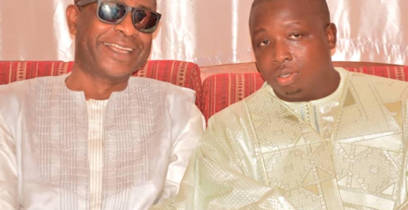 Baptême : Youssou Ndour témoigne sur son frère «adoptif,  Pédre Ndiaye - Une personne portant des lunettes - Youssou N'Dour