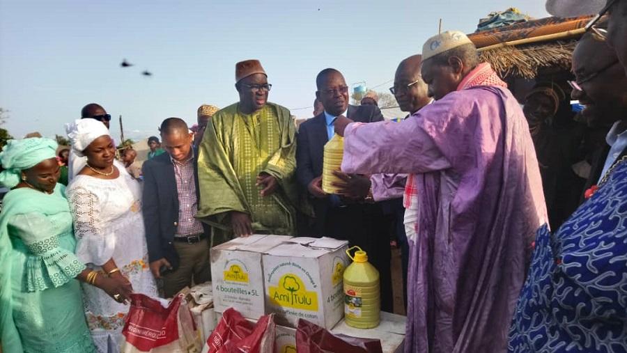 les députés de la cedeao assistent les déplacés de Mabilé et de Diamana...