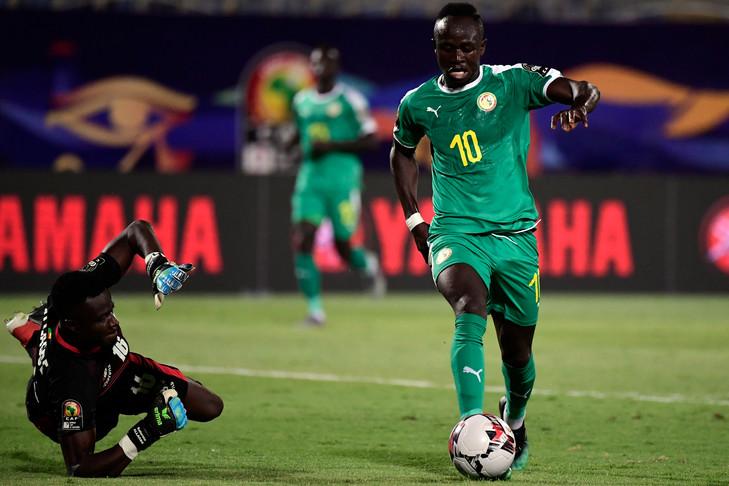 sadio-manedu-quart-finale-contre-benin-30_0_729_486 Ballon d'or européen 2019 : Sadio Mané seul africain parmi les 5 prétendants Gaindés