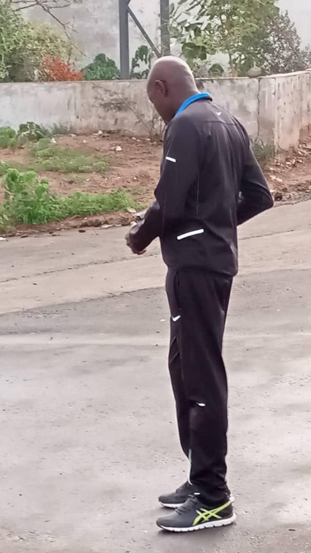 aly sport 1 - Le Ministre de l'intérieur filmé en train de faire son jogging sur...