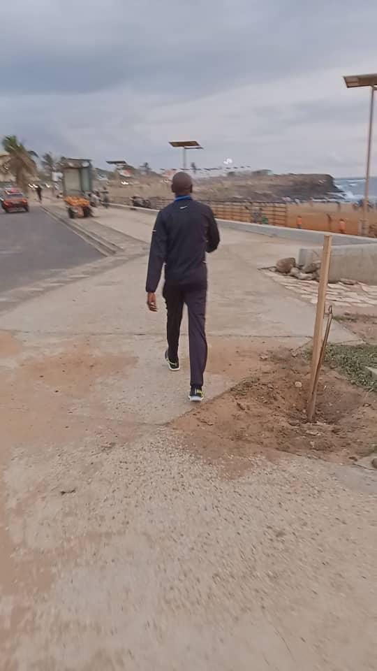 aly sport 4 - Le Ministre de l'intérieur filmé en train de faire son jogging sur...