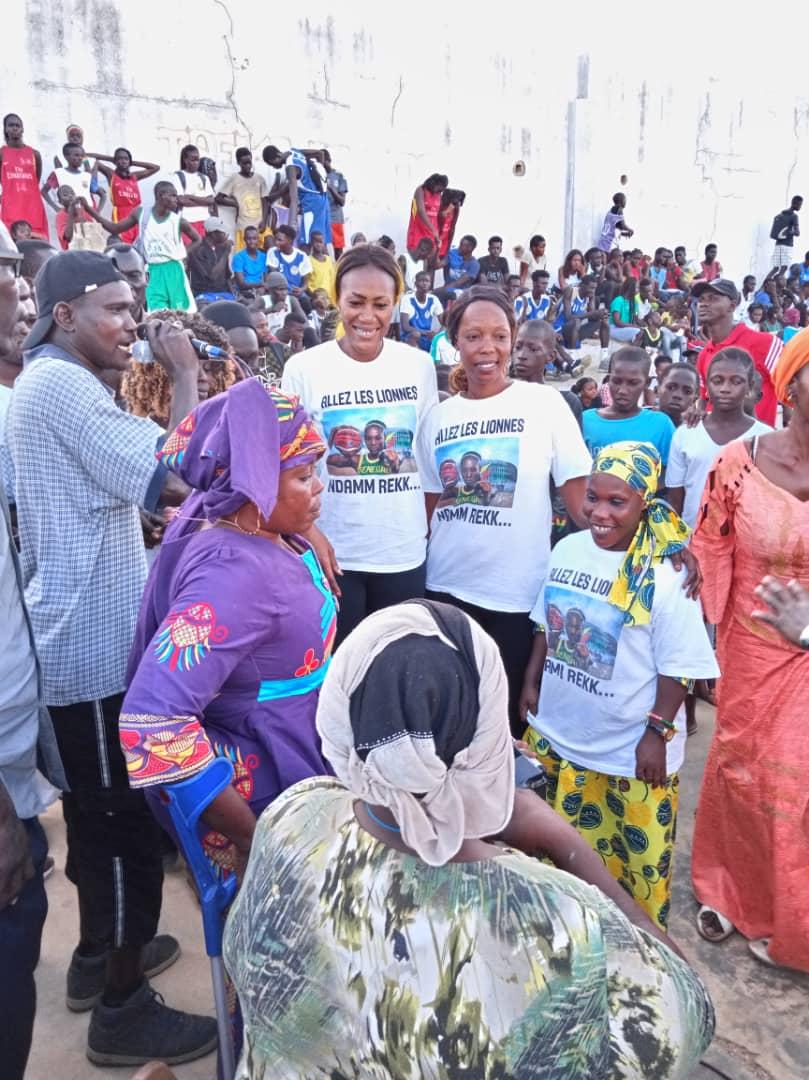 whatsapp image 2019 08 25 at 13.36.02 3 - Le geste touchant de Astou Traoré envers les basketteurs handicapés