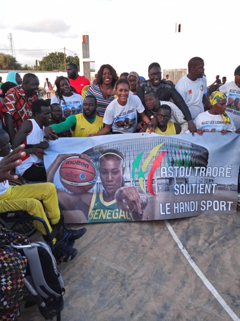 whatsapp image 2019 08 25 at 13.36.03 2 - Le geste touchant de Astou Traoré envers les basketteurs handicapés