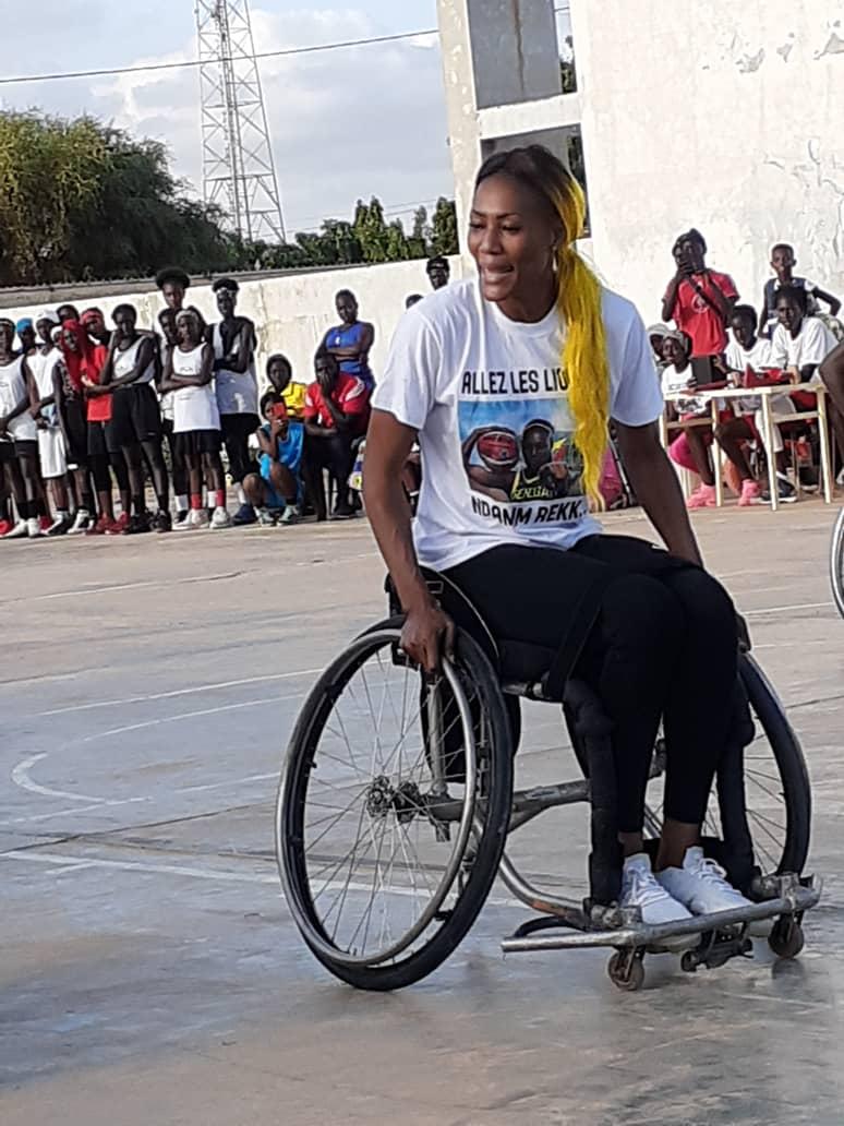whatsapp image 2019 08 25 at 13.36.04 1 - Le geste touchant de Astou Traoré envers les basketteurs handicapés
