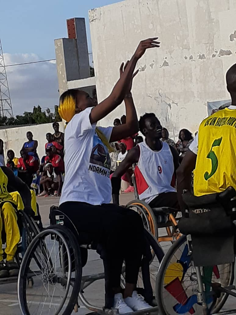 whatsapp image 2019 08 25 at 13.36.04 2 - Le geste touchant de Astou Traoré envers les basketteurs handicapés