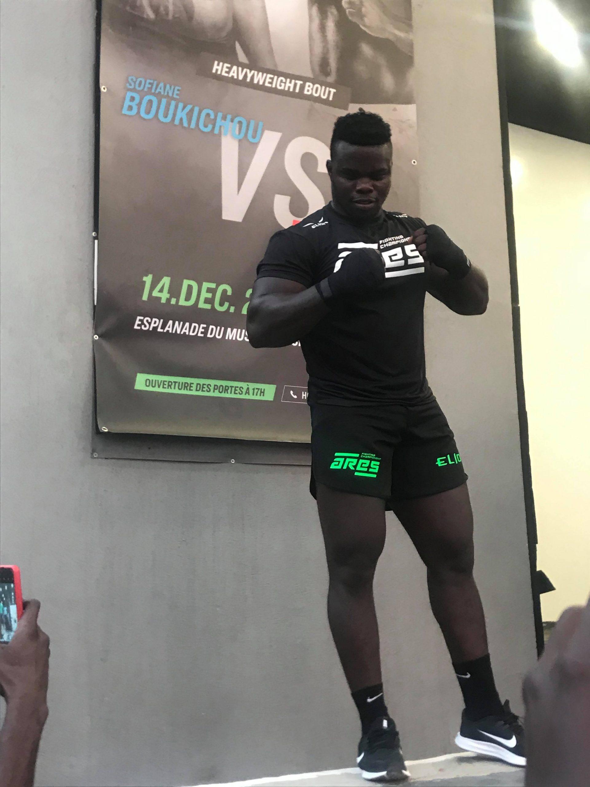 76728927 1770387886438347 7075008195437002752 n scaled - MMA : Reug Reug et son adversaire Sofiane, présentés au public (13 Photos)