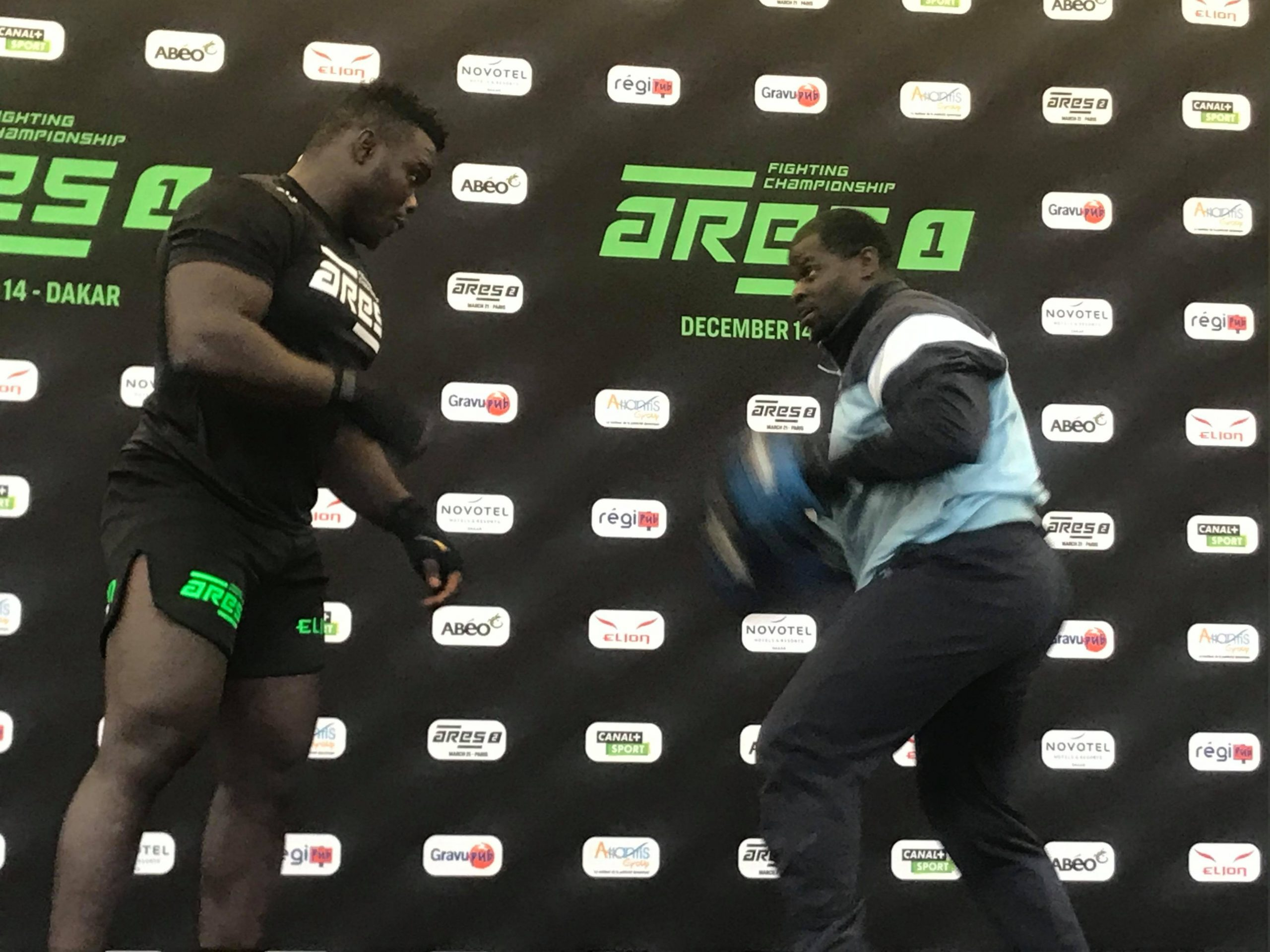 78793159 796873074072777 7662093232246882304 n scaled - MMA : Reug Reug et son adversaire Sofiane, présentés au public (13 Photos)