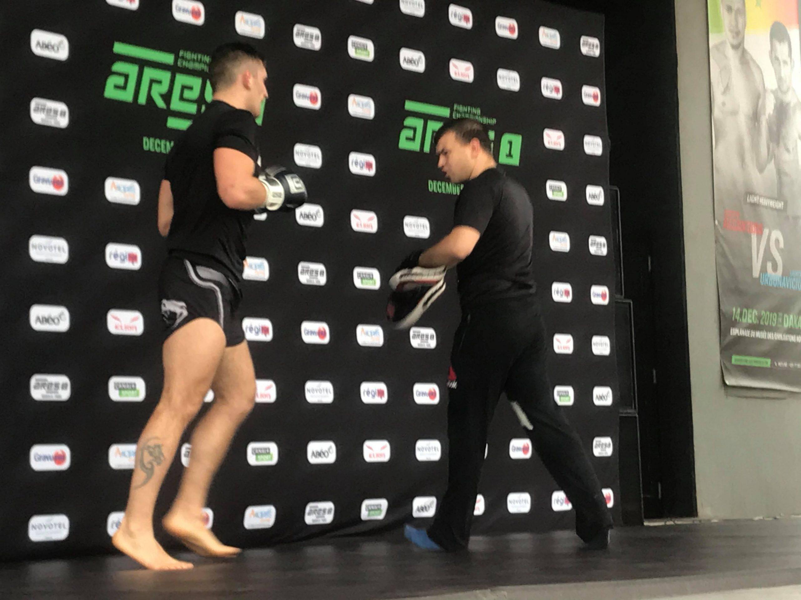 78835872 445892059655303 6784794197229568000 n scaled - MMA : Reug Reug et son adversaire Sofiane, présentés au public (13 Photos)