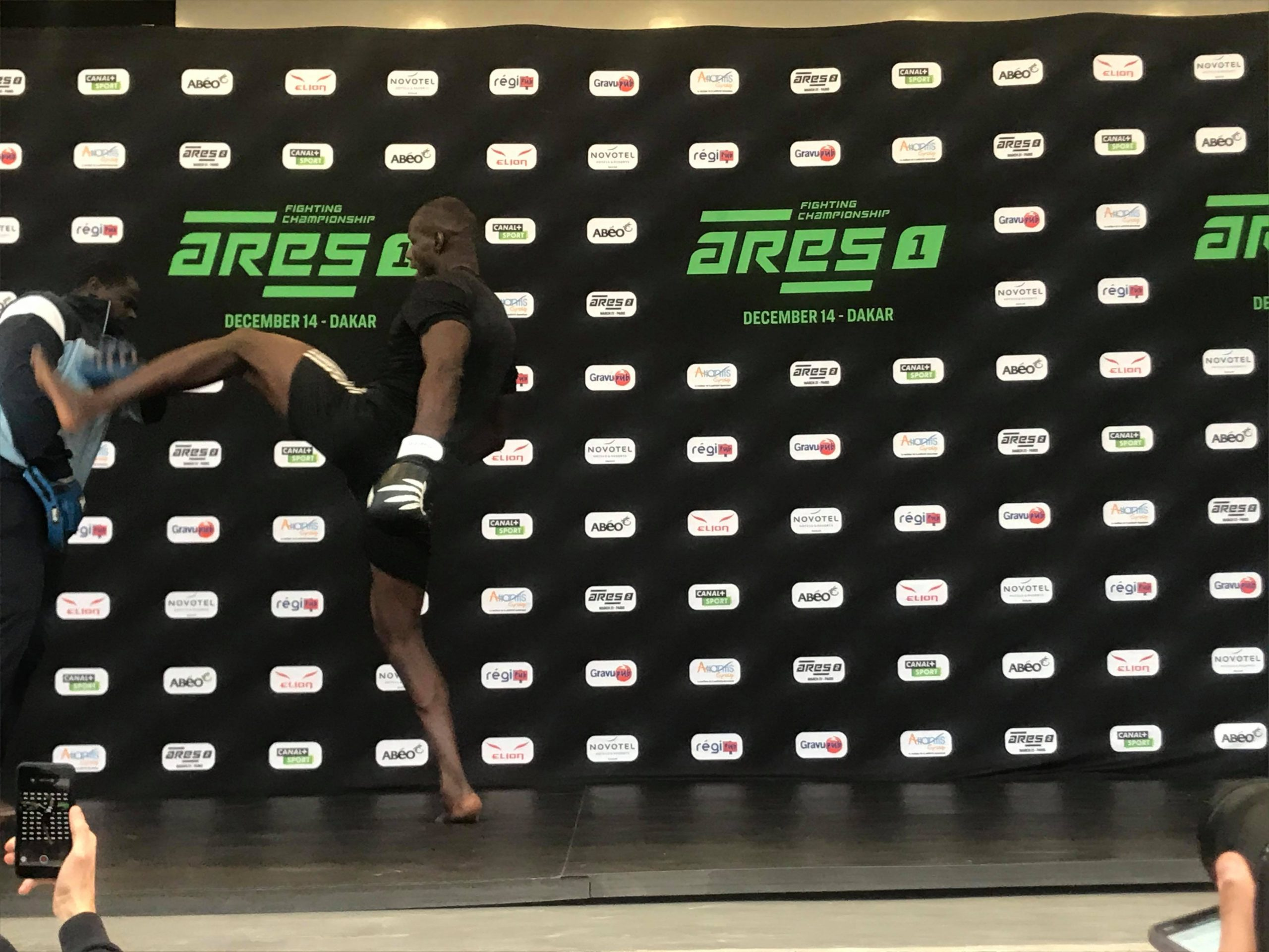 78999384 441047833502269 5584586833565581312 n scaled - MMA : Reug Reug et son adversaire Sofiane, présentés au public (13 Photos)
