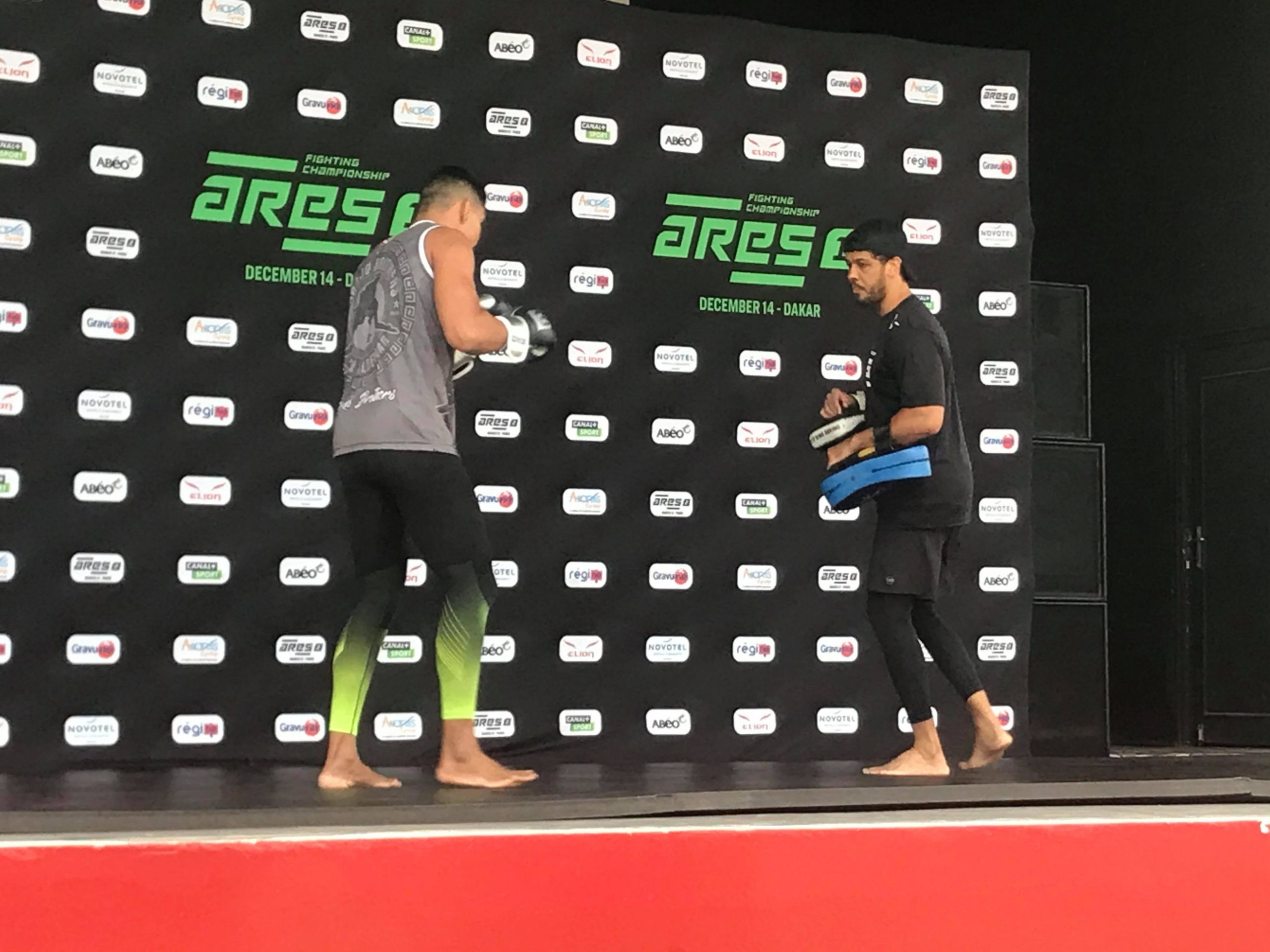 79189689 2858201517524047 4497453142622863360 n scaled - MMA : Reug Reug et son adversaire Sofiane, présentés au public (13 Photos)