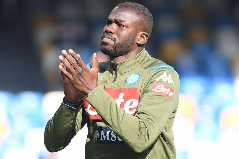 Naples: Cette annonce de taille du directeur sportif sur l'été mouvementé de Kalidou Koulibaly