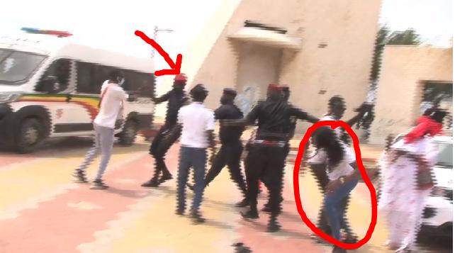 Une camerawoman de Dakaractu malmenée par des éléments de la police (vidéos) - Senego.com