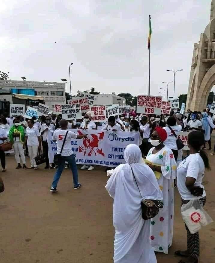 marche blanche a bamako contre les violences faites aux femmes