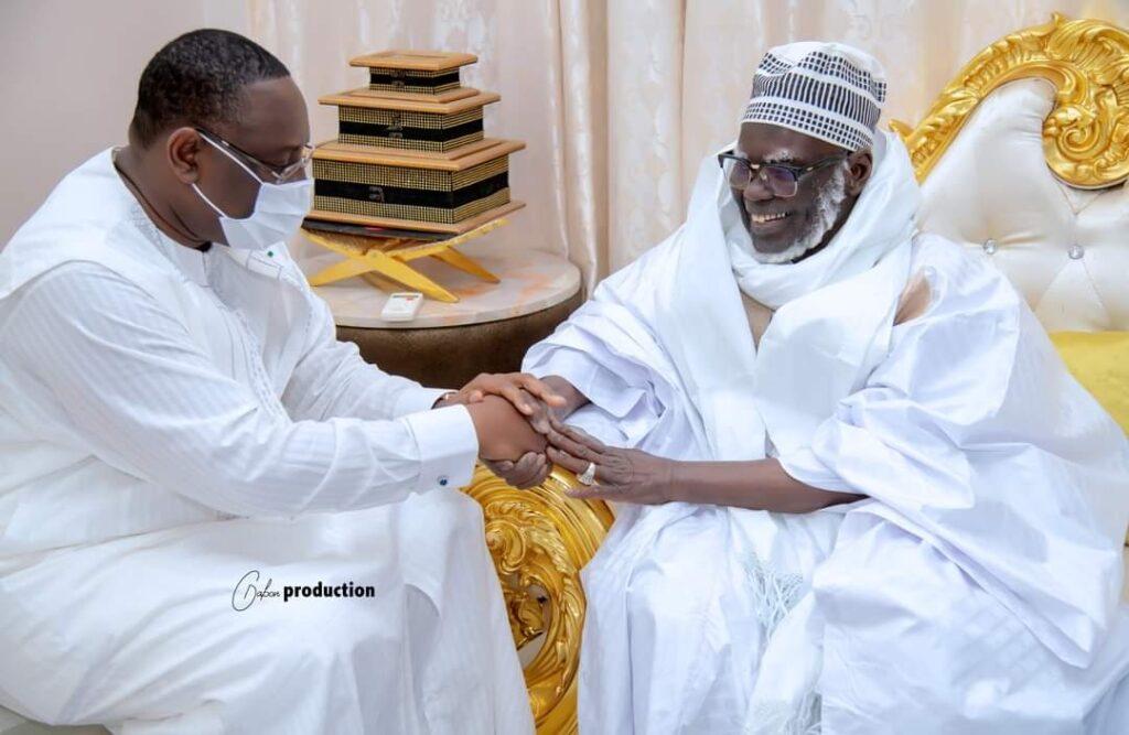 Touba : Les images de la rencontre Serigne Mountakha-Macky Sall…(Photos)