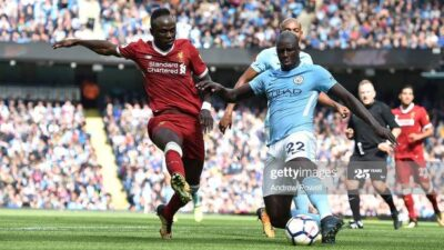 MANCHESTER, ENGLAND - SEPTEMBER 09: (THE SUN OUT, THE SUN ON SUNDAY OUT)Sadio Mane of Liverpool with Benjamin Mendy of Man City during the Premier League match between Manchester City and Liverpool at Etihad Stadium on September 9, 2017 in Manchester, England. (Photo by Andrew Powell/Liverpool FC via Getty Images)