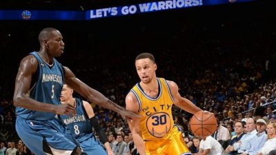 gorgui-sy-dieng-vs-steph-curry