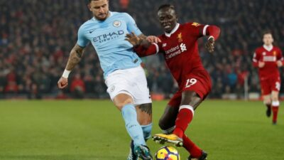 Soccer Football - Premier League - Liverpool vs Manchester City - Anfield, Liverpool, Britain - January 14, 2018   Liverpool's Sadio Mane in action with Manchester City's Kyle Walker